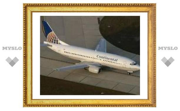В США аварийно сел Boeing 737 с треснувшим стеклом