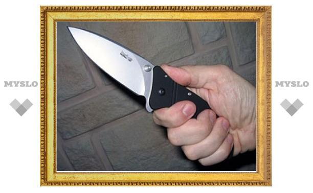 В московском метро полицейского ранили ножом