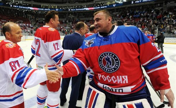 Правительство Тульской области поздравило Алексея Дюмина с Днём хоккейного вратаря