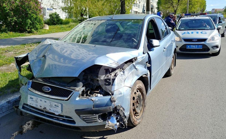 В Туле пьяная автоледи, скрываясь с места ДТП, врезалась в еще одну машину