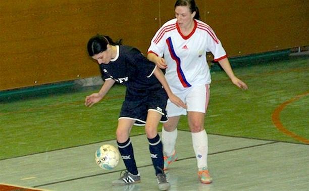 Тульские футболистки дважды уступили в Смоленске