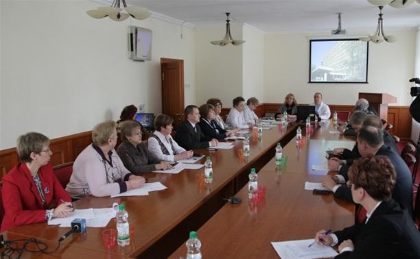 В минздраве региона обсудили эффективность работы медучреждений