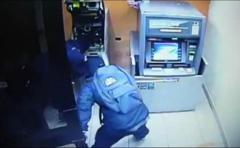 Двое туляков обчистили банкоматы на 5,5 млн рублей