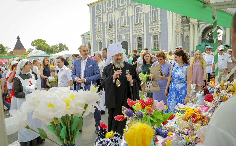 В Туле прошел праздник благотворительности и милосердия «Белый цветок»
