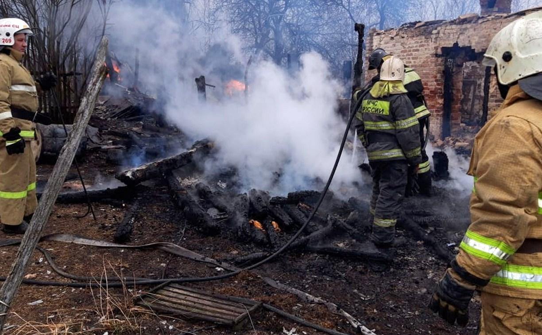 В Туле на пожаре в частном доме пострадал мужчина