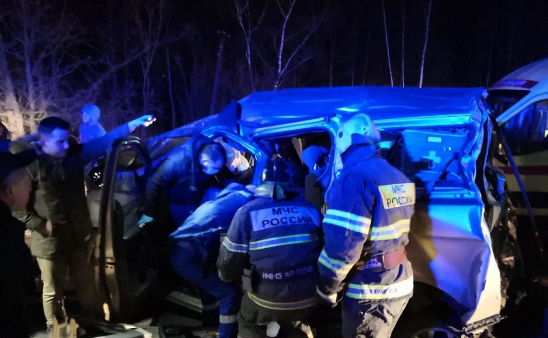 Ночью на трассе в Туле фура протаранила несколько авто