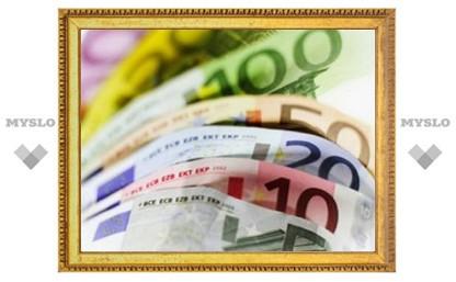 Курс евро впервые снизился с начала августа