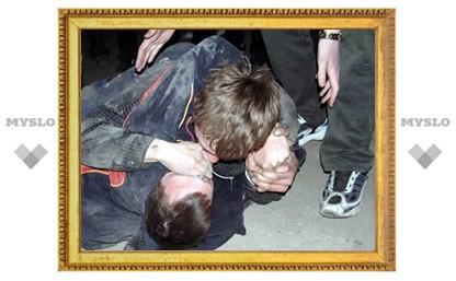 Двое алексинцев жестоко избили одного и сожгли другого приятеля