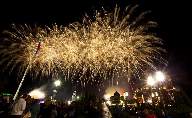 День города в Туле завершился концертом и фейерверком: фоторепортаж