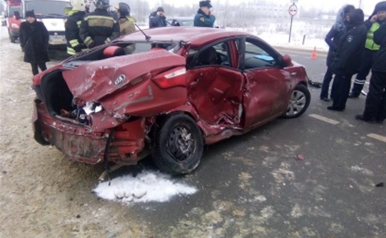 На трассе М-2 «Крым» столкнулись три автомобиля