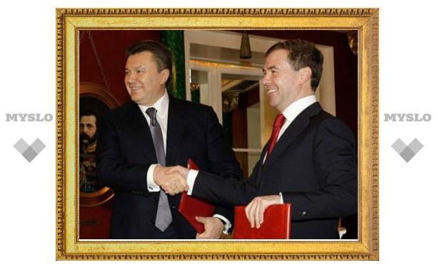 Президент Медведев впервые посетит Украину в мае