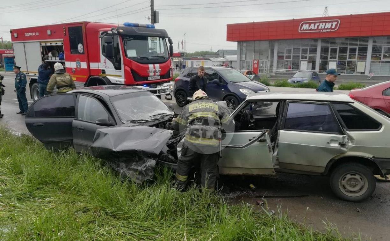 В ДТП на Павшинском мосту в Туле пострадали три человека