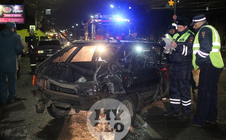 Жесткая авария на проспекте Ленина в Туле: водитель скончался до приезда скорой