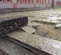 Тулячка пожаловалась на разваливающиеся ступени на улице Галкина