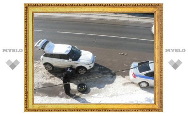 Тульские гаишники пришли на помощь автоледи!