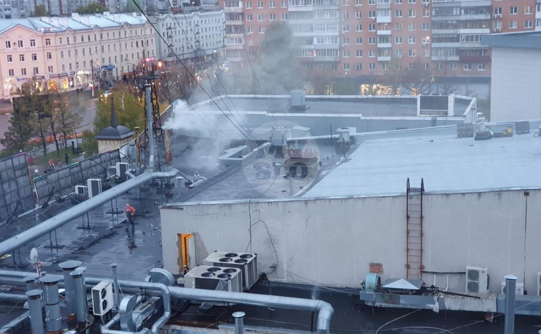 К ресторану «Башня» на Красноармейском проспекте в Туле прибыли пожарные расчеты