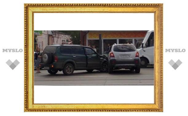 """В Туле """"Opel"""" протаранила """"Suzuki"""""""