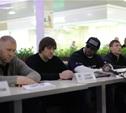 Бойцы М-1 провели открытую пресс-конференцию и встретились с фанатами