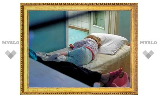 В Новомосковске ребенок выпал из окна