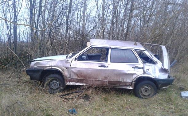 В Тульской области перевернулся автомобиль