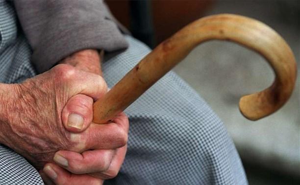 В Новомосковске мошенницы похитили у старушки 120 тысяч рублей