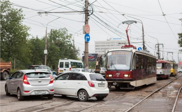 Авария парализовала движение трамваев на Зеленстрое