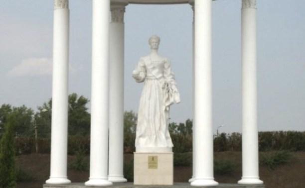 В Ясногорске открыли ротонду и памятник Екатерине II