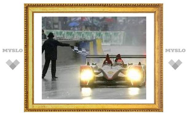 "Audi R10 выиграл ""24 часа Ле-Мана"""