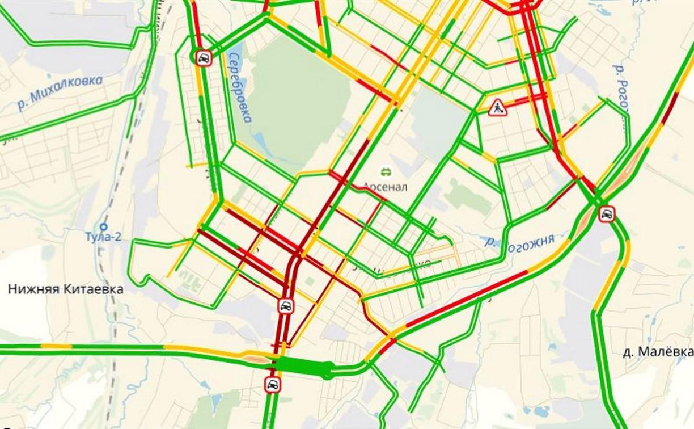 Проспект Ленина в Туле встал из-за ДТП