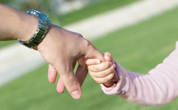 Судимым разрешат усыновлять детей и становиться опекунами