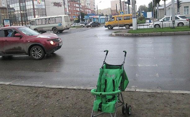 В Туле лишенный прав водитель сбил коляску с ребенком