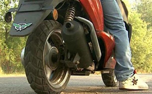 Сотрудник полиции на личном авто столкнулся со скутеристом