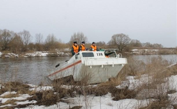 Тульские спасатели провели тренировку по работе в условиях половодья