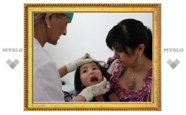 Российские медики привили от полиомиелита более четырех тысяч таджикских детей