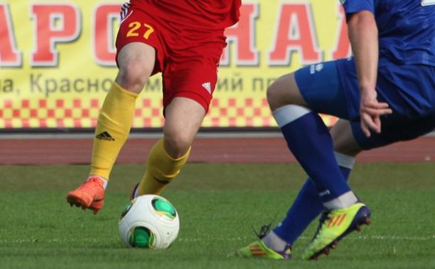 В чемпионате Тульской области по футболу лидеры сыграли вничью