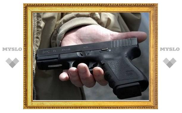 Плавские грабители отбирали травматические пистолеты