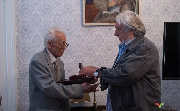 Тульскому краеведу Вячеславу Ботю вручили награду «Хранителя наследия»