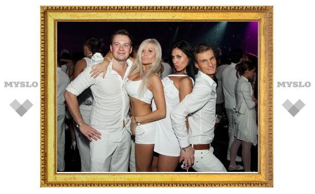 Впервые в Туле пройдет вечеринка Sensation