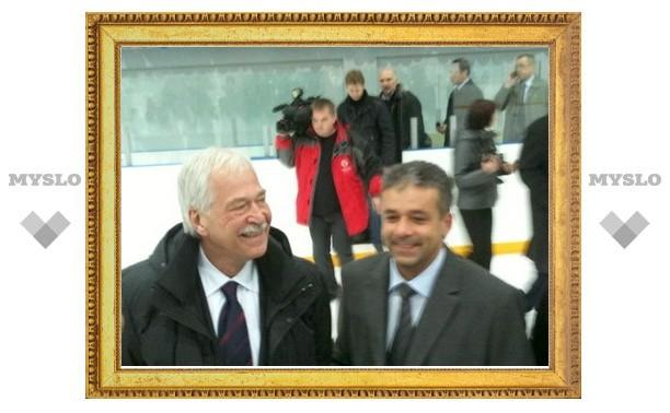 Председатель Госдумы РФ сыграл в хоккей под Тулой