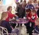 На Паралимпиаде болельщиков угостили тульскими пряниками и пастилой