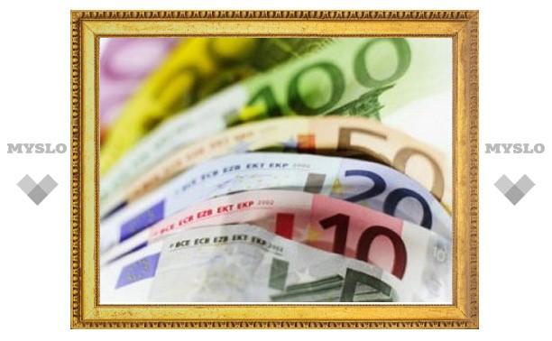 Евро на ММВБ подорожал на рубль за несколько минут