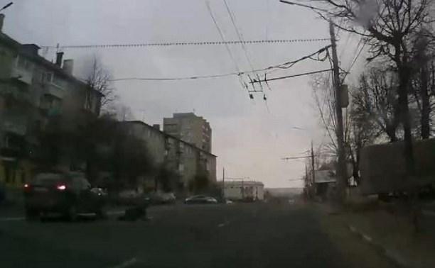 8 марта в Туле 80-летний пенсионер с цветами попал под машину