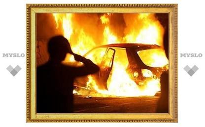 В Новомосковске за ночь сгорело сразу три авто