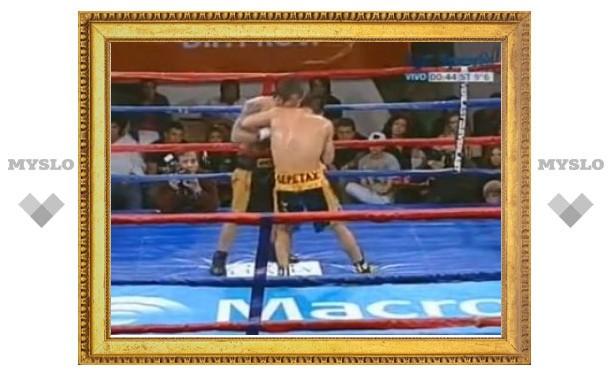 """Аргентинский боксер повторил """"укус Тайсона"""""""
