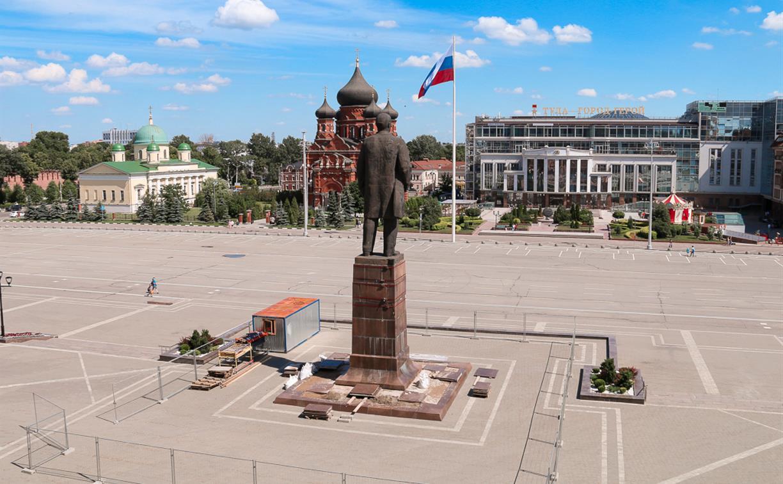 В Туле начался ремонт постамента памятника Ленину