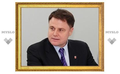 Глава региона улетел в Элисту на совещание с Президентом