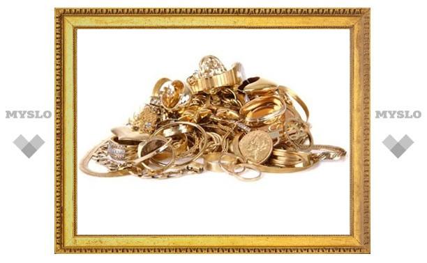 У жительницы Тульской области украли золото на 120 тысяч рублей