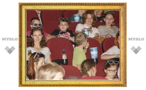 500 детишек из Тульской области попали на премьеру мультика
