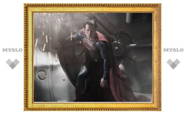 Компания Warner Bros показала нового Супермена