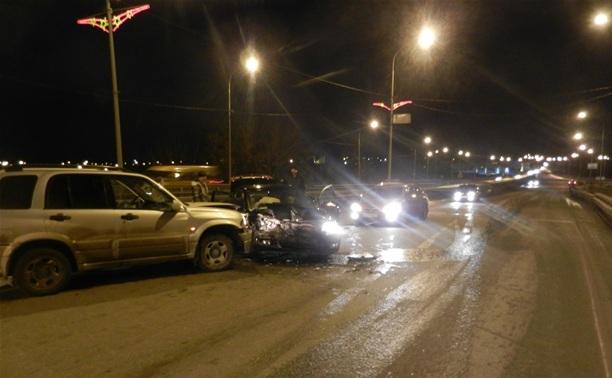 Пьяный водитель внедорожника протаранил легковушку